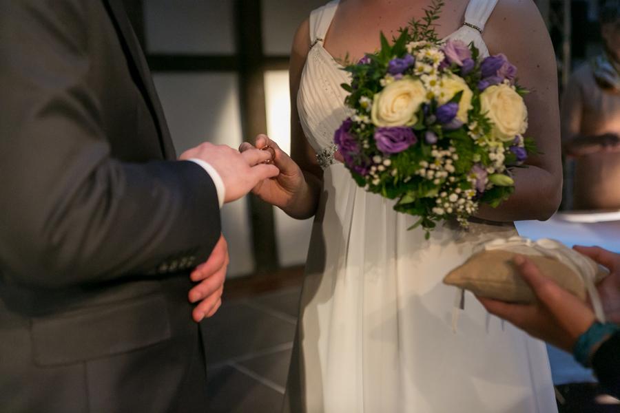 Besondere freie Trauzeremonie in Harburg mit Astrid Fiedler