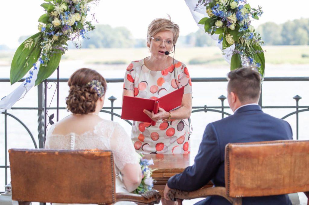 Freie Trauungen und Hochzeitsreden mit Astrid Fiedler in Hamburg